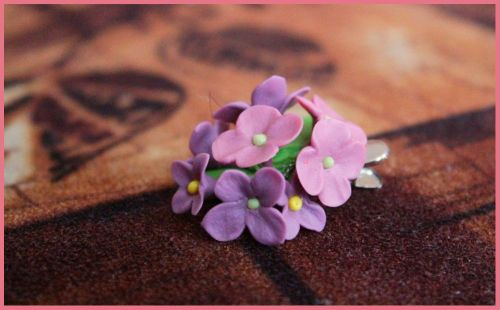 украшение из цветов холодного фарфора